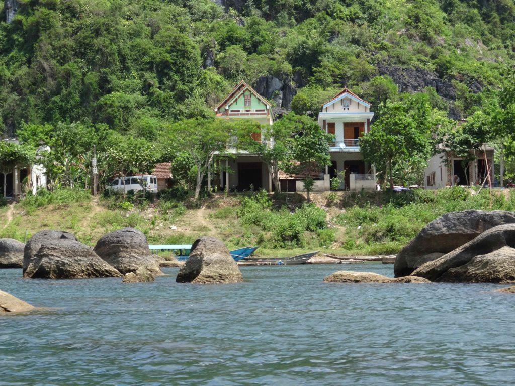 sur le trajet pour rejoindre Les grottes du Parc National de Phong Nha Ké Bang