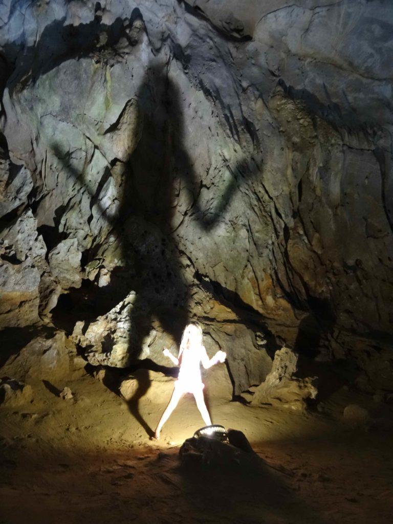chatounette et les ombres chinoises dans la grotte 1 du Parc National de Phong Nha Ké Bang