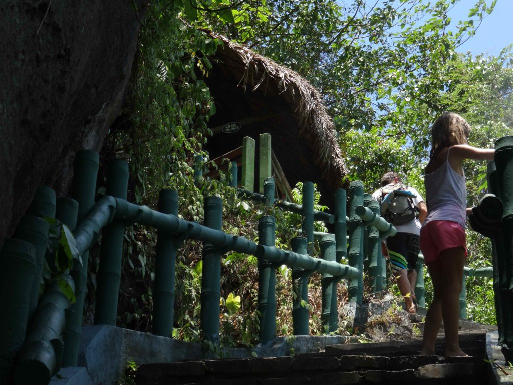 accès à la grotte 2 du Parc National de Phong Nha Ké Bang