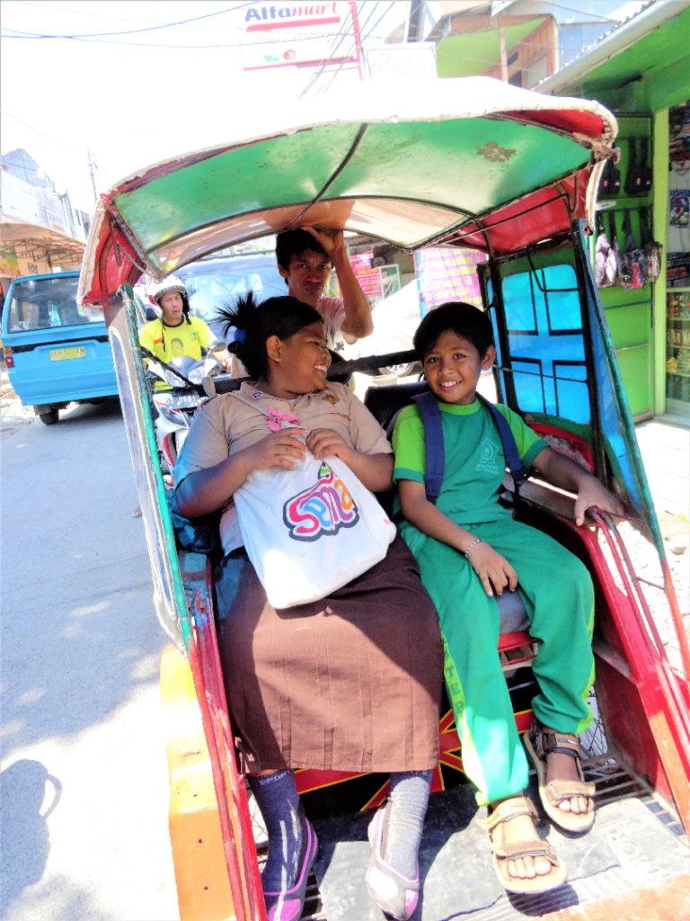 indonésiens en pousse-pousse