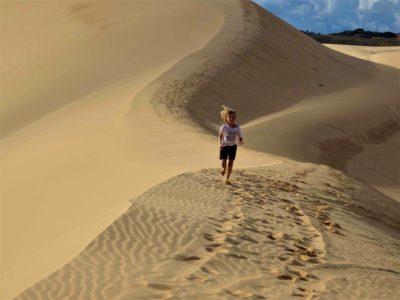 Les dunes rouges et blanches de Mui Ne et son Fairy Stream