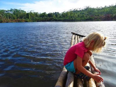 Pulau Siau: virée en scooter, sources d'eau chaude et lac de cratère