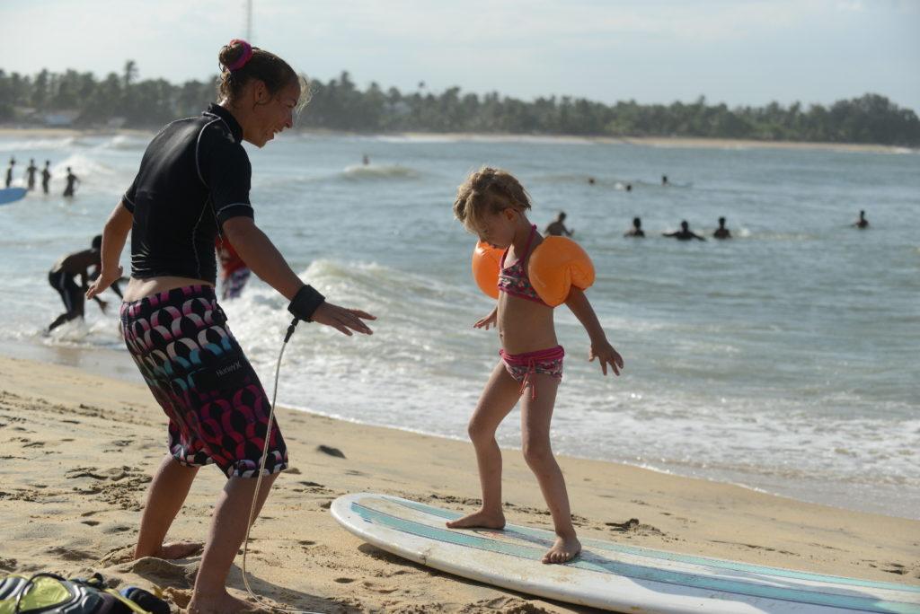 cours de surf par chatoune à arugam bay