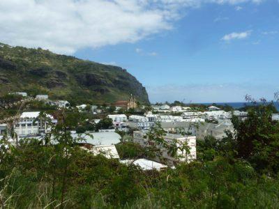 Escale à La Réunion et arrivée à Madagascar