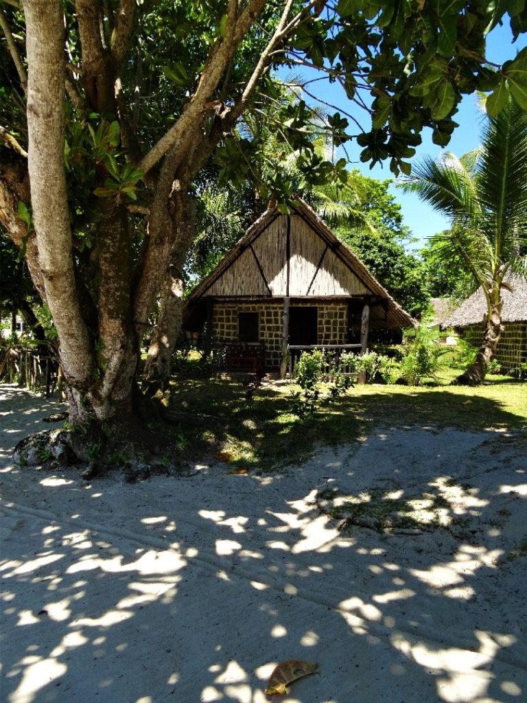 hotel hibiscus sur la plage de mahambo
