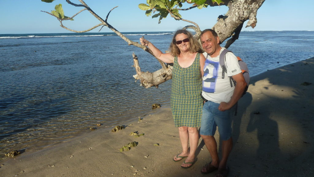les darons sur la plage de mahambo