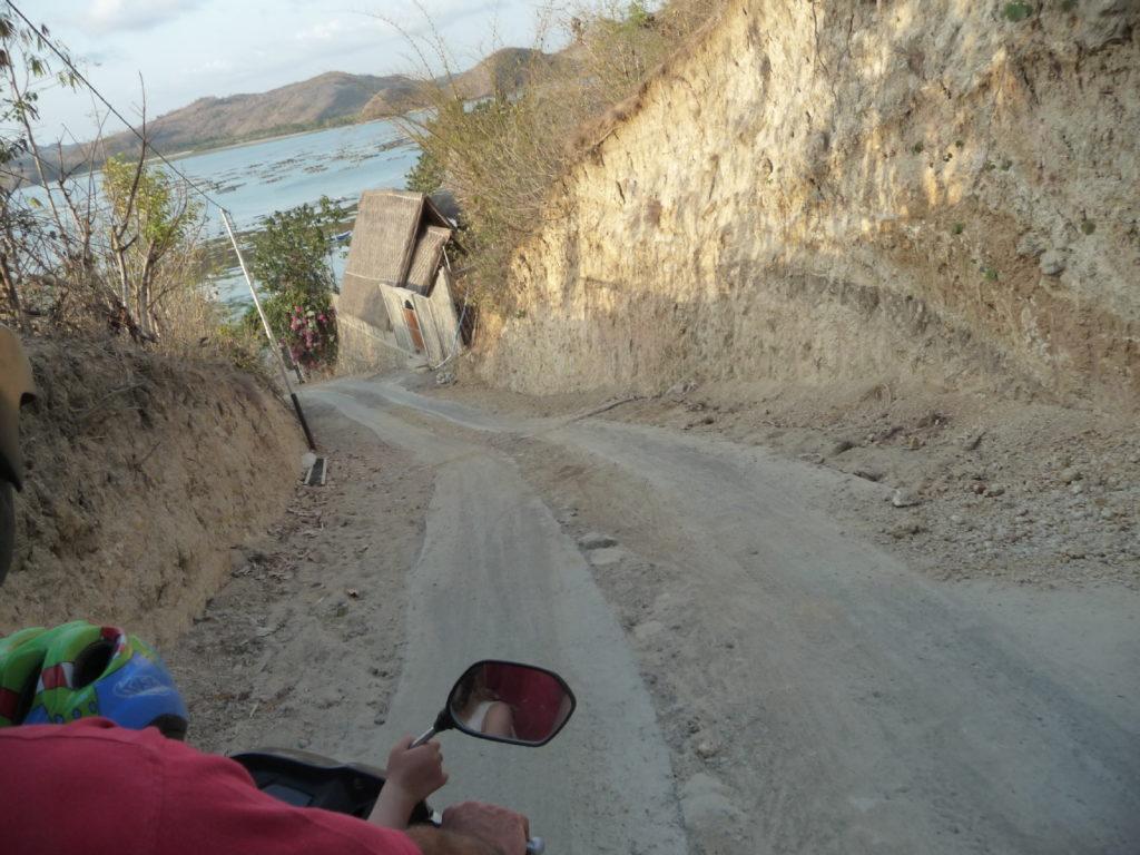 rue abrupte de Gerupuk, spot de surfer, Lombok