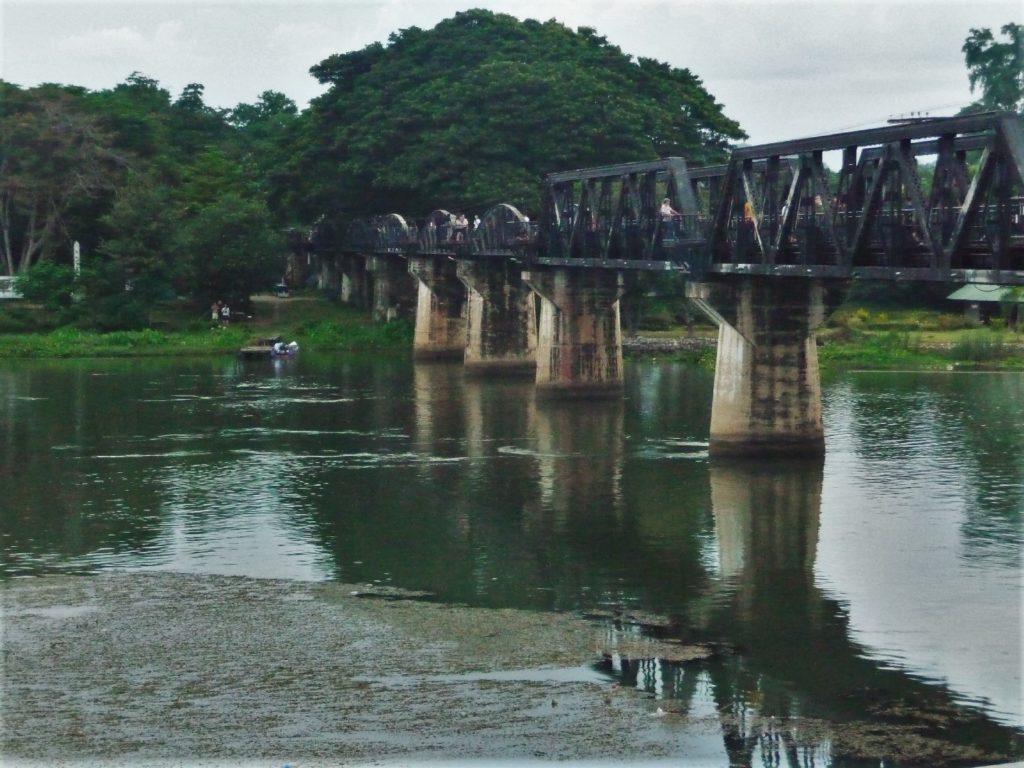 pont de la rivière kwai à kanchanaburi