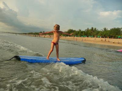 Kuta Bali : piscine, mer, surf…