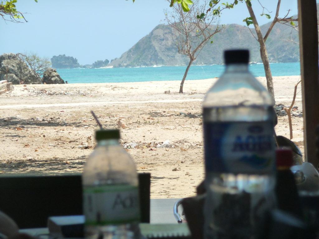 warung de kuta lombok, face à la mer