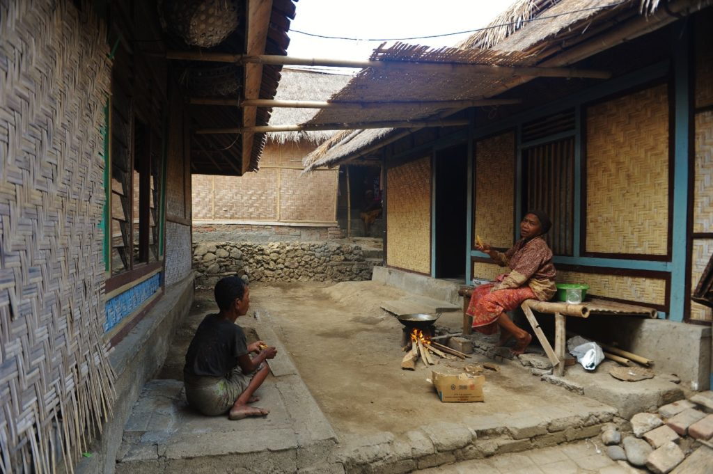 Sade, village sasak à Lombok, scène de rue