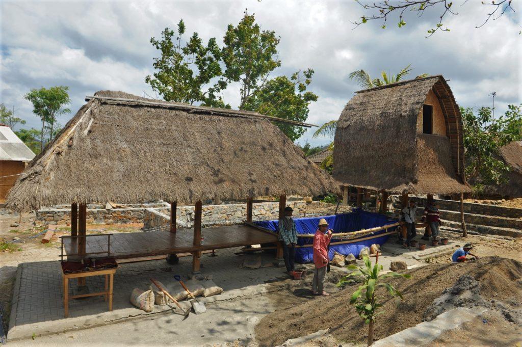 Sade, village sasak à Lombok, chantier de construction