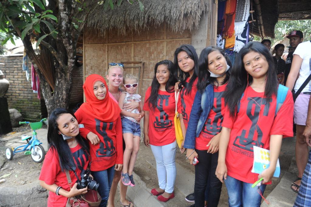 Sade, village sasak à Lombok, margot l'attention de toutes les indonésiennes