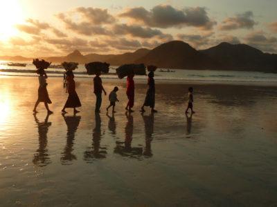 Selong Belanak, plage paradisiaque à Lombok, Indonésie