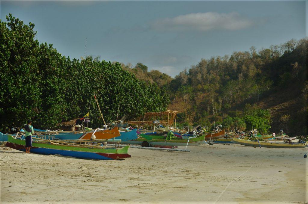 plage de Selong Belanka Beach, bateaux sur le sable