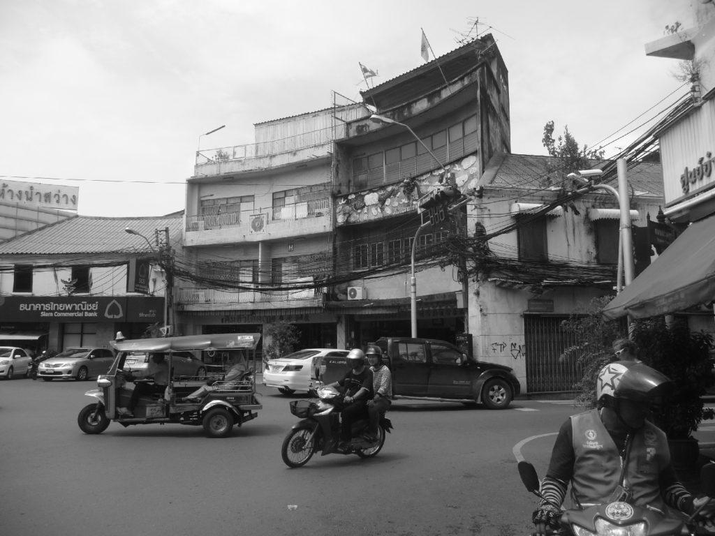carrefour de bangkok