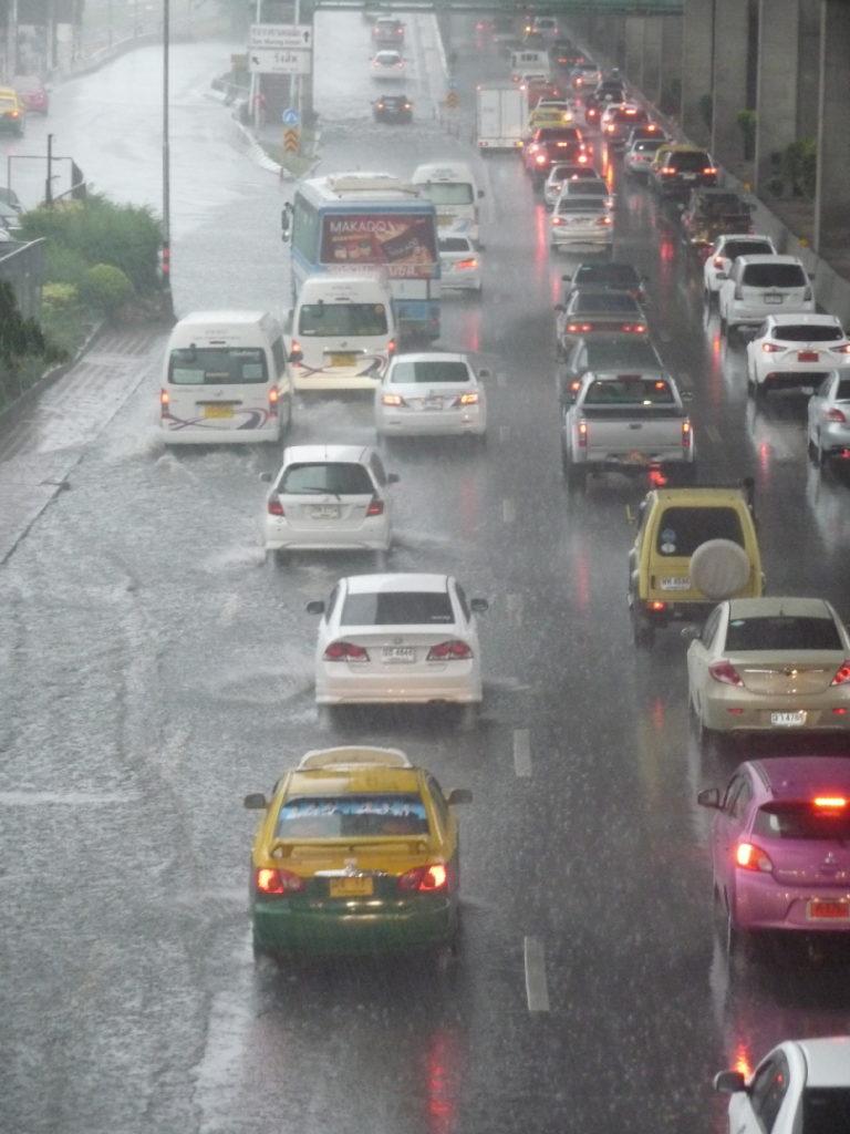 route inondée à Bangkok