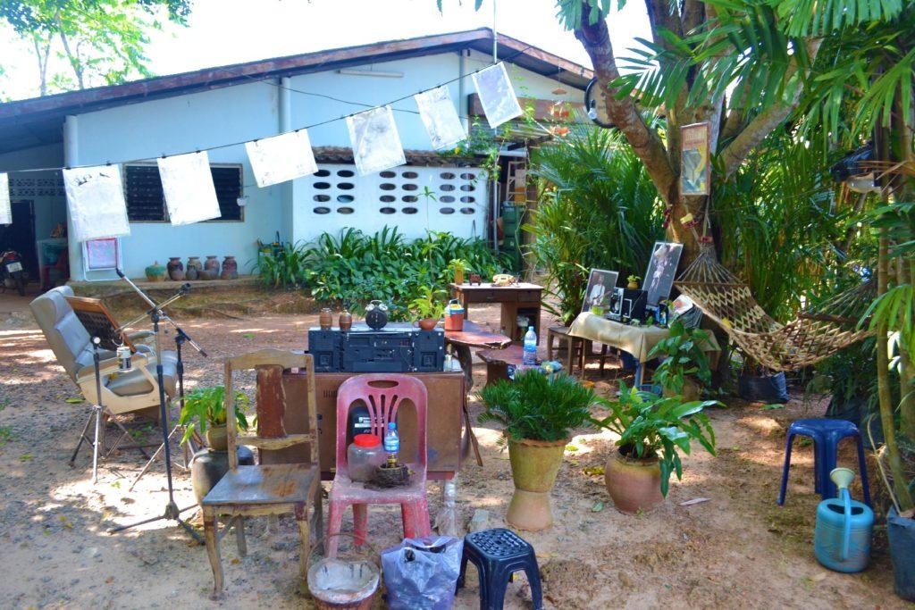 arrêt boisson près de khao yai, terrasse pour le moins originale